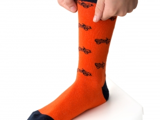 citroen-origins-mehari-chaussettes-orange-homme-portees